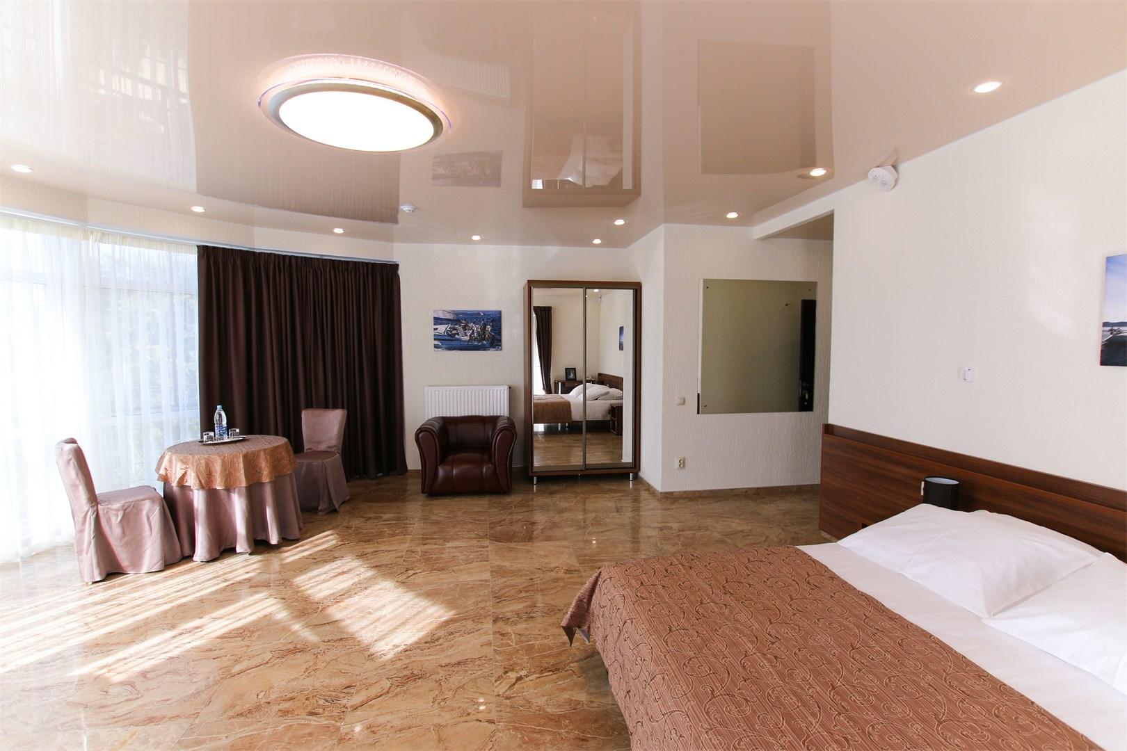 Отель Регата.