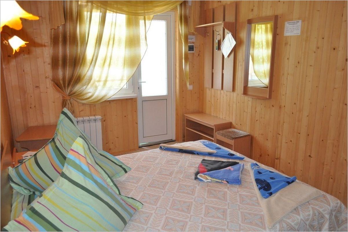 1-комнатный 2-х местный (Деревянный коттедж)
