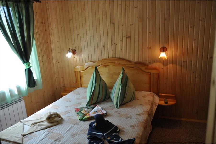 2-х комнатный 2-х местный (Деревянный коттедж)