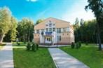 Санаторий им. ВЦСПС расположен в средней полосе России в Волго-Вятском районе, в хвойно-лиственном лесопарке...